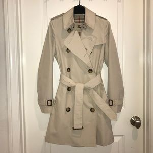 Burberry Classic Womens Harbourne Trench Coat